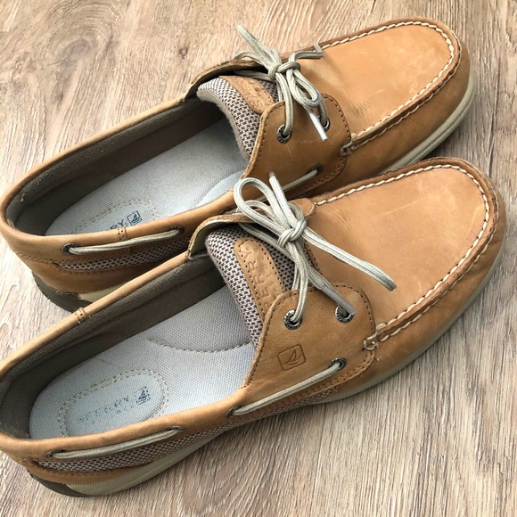 Women's Sperry Top-Sider Boat Shoe - size 11M